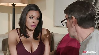 Colombian babe Luna Eminence hooks up with elder neighbor while husband is on a business street
