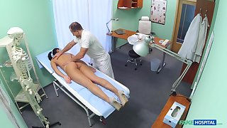 Doctor fucks hot patient coupled with records her in secret